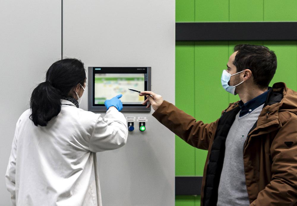 Lacados Lugo. Planta moderna de pintura en polvo con tratamientos diferenciados.